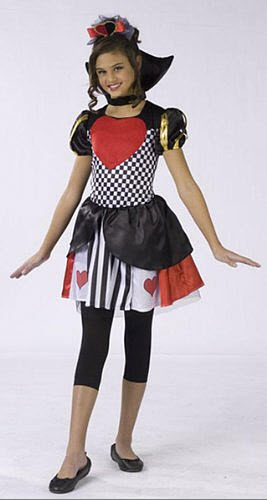 Queen of Hearts Halloween Costume pictured: Pretty Queen of Hearts ...