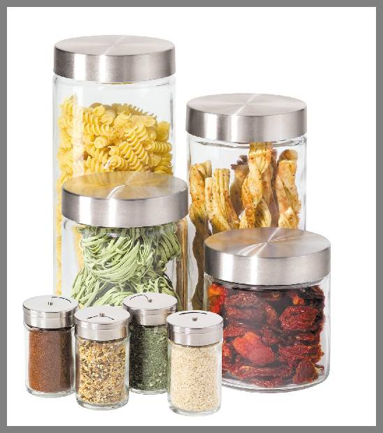 Glass spice jars with metal lids