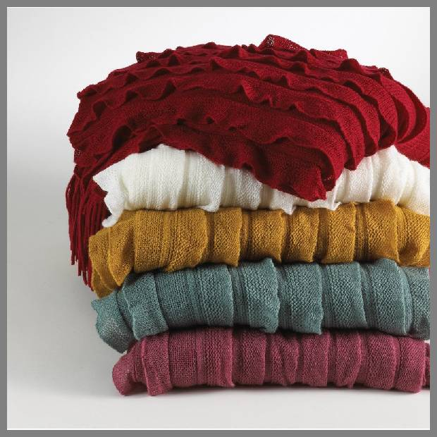 Ruffle throw blanket