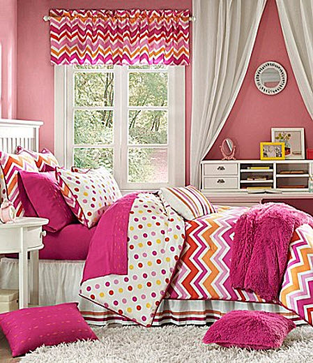 Pink chevron bedding